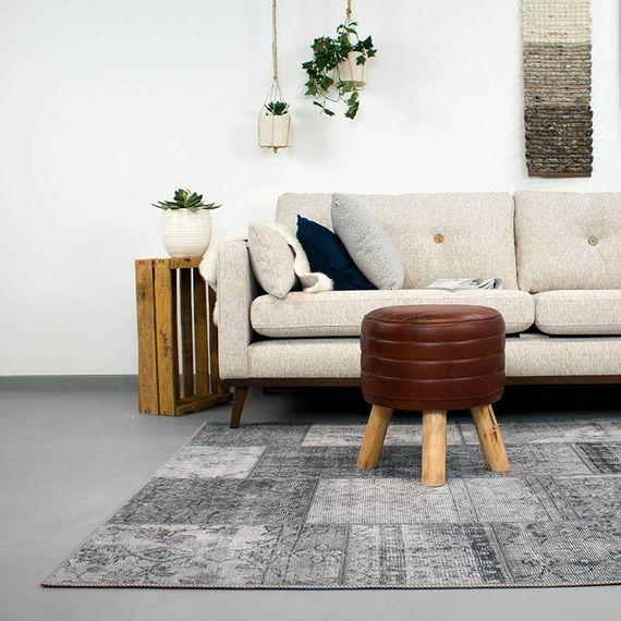 fraai-vintage-patchwork-vloerkleed-estate-grijs-min